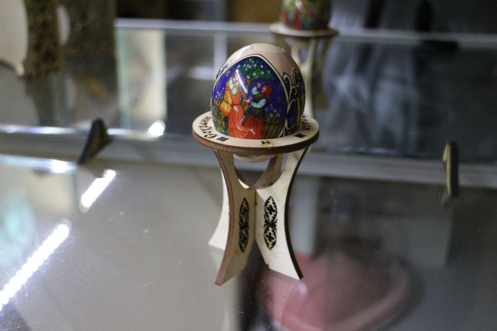 Поставка под яйцо